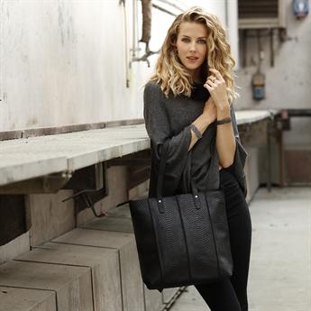 Picture of Shoulder bag Clara, black